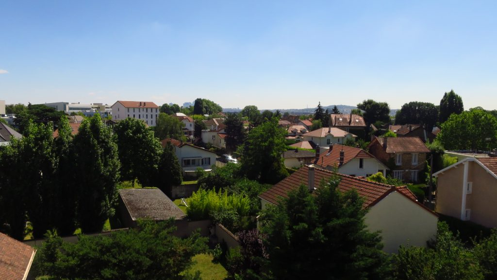 3 Pièces à Chatou en dernier étage vue sur la Tour Eiffel (Réf 788)