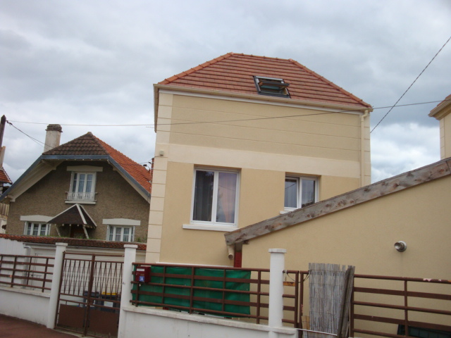 Maison de ville de 3 pièces à Chatou ( Réf 854)