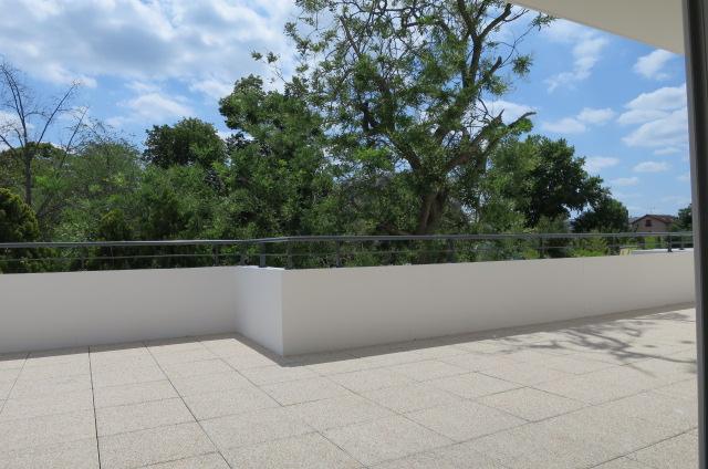 3 Pièces avec une Grande Terrasse à Nanterre Centre – RER à 750 M (Réf 888)