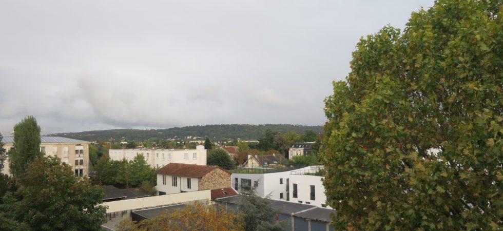 4 Pièces au Vésinet en dernier étage avec balcon plein Sud ( Ref 924)